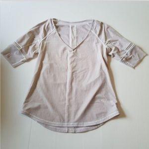 Lululemon Women's 4 Var-City 1/2 Sleeve Top